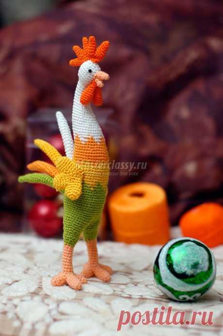 El símbolo del año 2017. El gallo tejido amigurumi. La clase maestra Poshagovyy