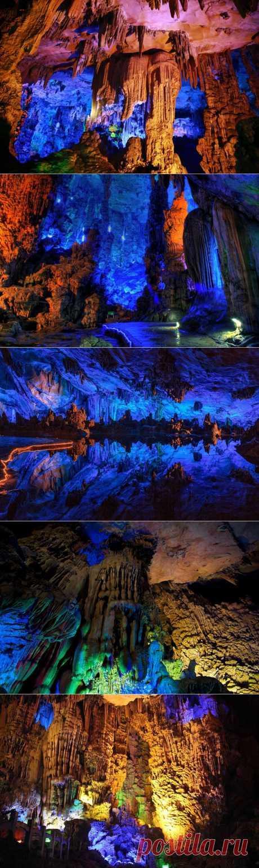 Пещера Тростниковой Флейты | В мире интересного