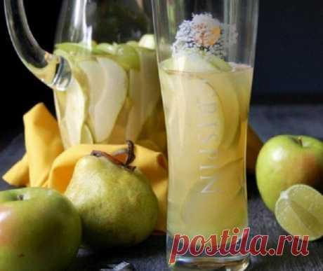 Сангрия с белым вином и фруктами