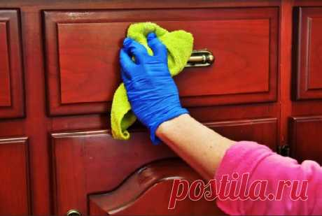 В моем доме нет пыли на мебели и зеркалах. Я протираю их средством из аптеки — СОВЕТ !!!