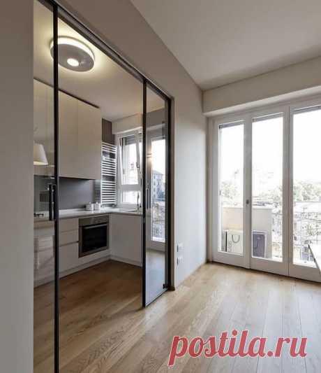 Кухня с раздвижной дверью