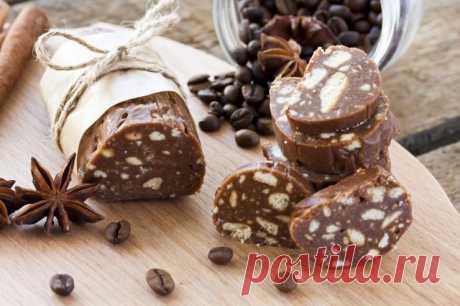 Шоколадный Рулетик Ингредиенты:  Печенье (любое) — 600 г Какао-порошок — 3 ст. л. Молоко — 150 мл Масло сливочное — 200 г Сахар — 8 ст. л.