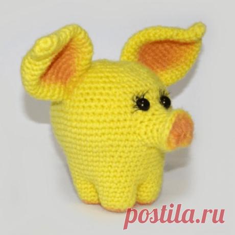 1000 схем амигуруми на русском: Желтая свинка амигуруми