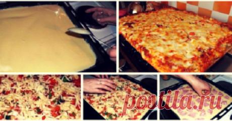 Всегда я пеку пиццу по этому отличному рецепту — это просто объедение! - appetitno.net Очень вкусно и быстро! Ингредиенты: –Мука — 3 ст. ложки –Майонез — 3 ст. ложки –Яйца — 2 штуки –Колбаса — 150 граммПомидор — 1 штука –Лук — 1/2 штуки –Сыр — 200 грамм –Зелень — по вкусу Приготовление: 1. Смешать яйца, майонез и муку. 2. Выливаем тесто в форму для запекания. 3. Сверху выкладываем начинку: колбаса, слой лука и помидоры. 4. Посыпаем щедро слоем тертого сыра. 5. Посыпаем зел...