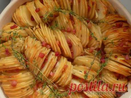 Запечённый картофель с беконом.