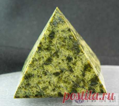 Пирамида змеевик 63*63*60 мм