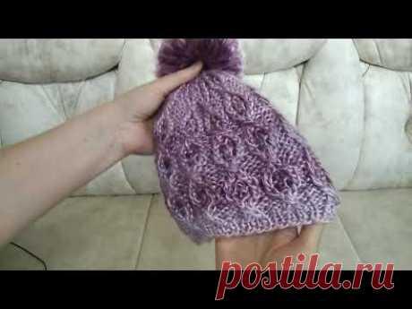 Видео-обзор моей новой бесшовной шапочки с помпоном, связанной спицами по кругу узором вафельки