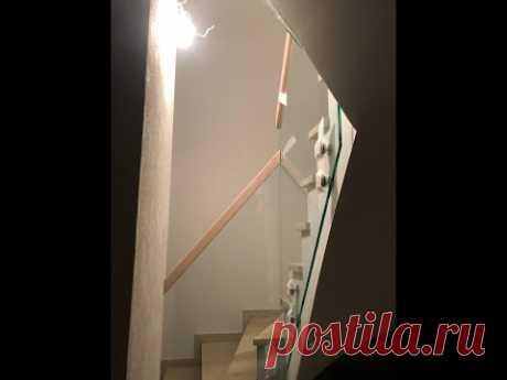 Лестница с самонесущими перилами