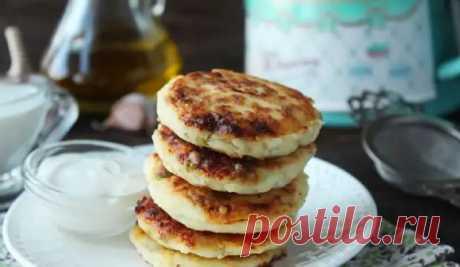 Закусочные сырники с сыром, чесноком и зеленью: необычный завтрак - Вкусные рецепты - медиаплатформа МирТесен
