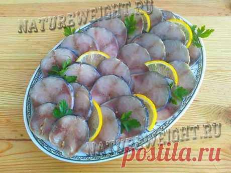 Спецпосол скумбрии с чесноком «Мурманское сало»: рецепт для малосольной закуски