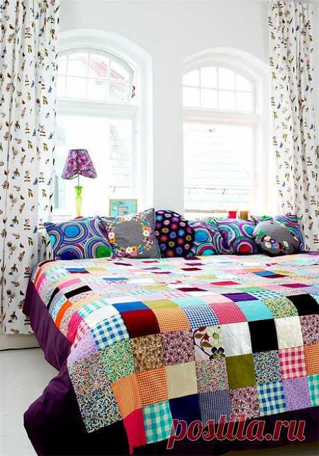 Потрясающие лоскутные одеяла. Много идей.