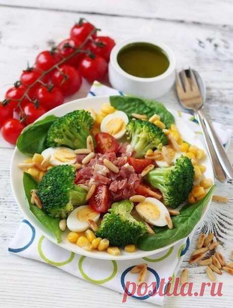 8 рецептов очень полезных и низкокалорийных салатов с брокколи