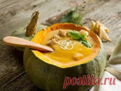 Пикантный тыквенный суп с сельдереем и апельсинами