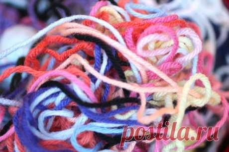 Как сделать так, чтобы нитки при многоцветном вязании не путались | С2С вязание | Яндекс Дзен