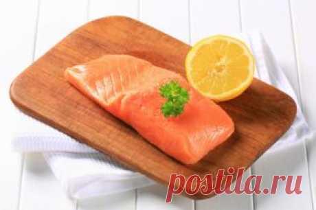 Рыба покраснела. Почему сёмга и форель — плохие гости на столе в праздник?