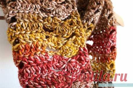 A Fan of Fall - Free Crochet Cowl Pattern - Pasta & Patchwork