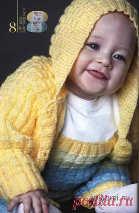 Вязание спицами для детей Кофточка с капюшоном и комбинезон