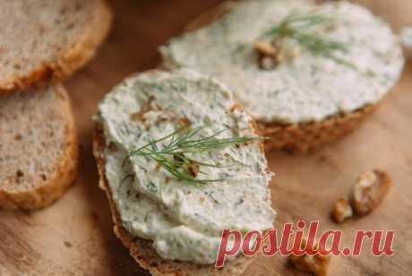 La pasta baklazhannaya para los bocadillos correctos