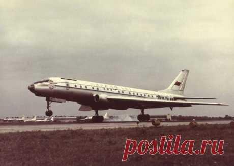 Советский, реактивный, пассажирский: 10 фактов о Ту-104