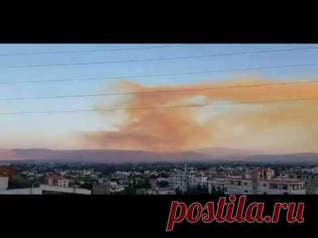 В Ливане объявлено чрезвычайное положение после мощнейшего взрыва в порту Бейрута, над которым уже повисло токсичное облако.