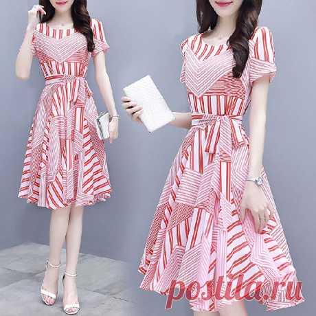 богемное полосатое платье с коротким рукавом Ваш друг поделился с вами модным сайтом и дает вам скидку до 20%! требуй это сейчас.