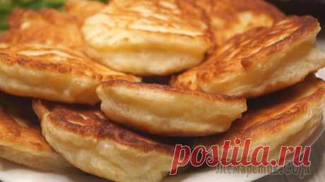 The best barmy fritters Barmy fritters on milk. Such fritters always turn out magnificent and fluffy. They can be fried on the minimum quantity of vegetable oil, or on a dry frying pan with antiprigarny pokrytiyemingred...