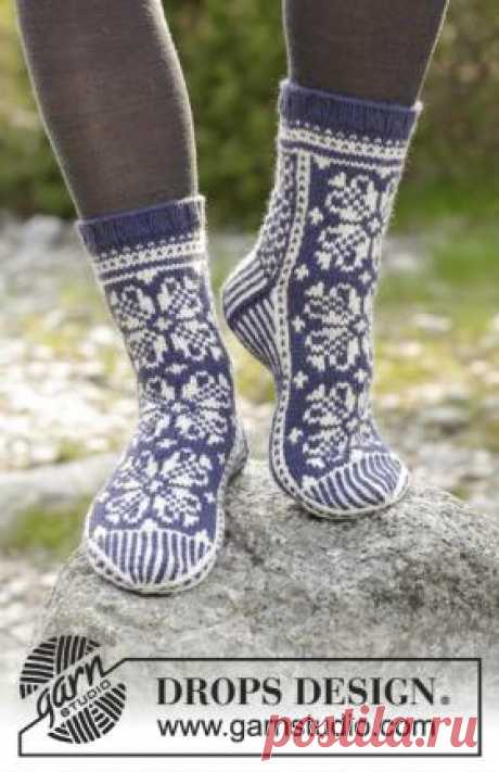 Socks Lofoten Naryadnye the women's socks connected on spokes from a wool yarn of average thickness. Knitting of socks is carried out by color patterns on provided in the description...