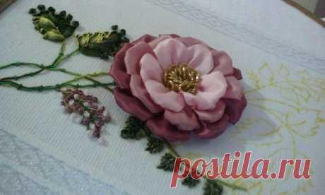Вышиваем цветок лентами — DIYIdeas
