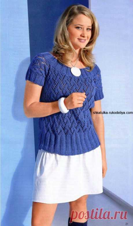 Синий пуловер спицами для женщин.