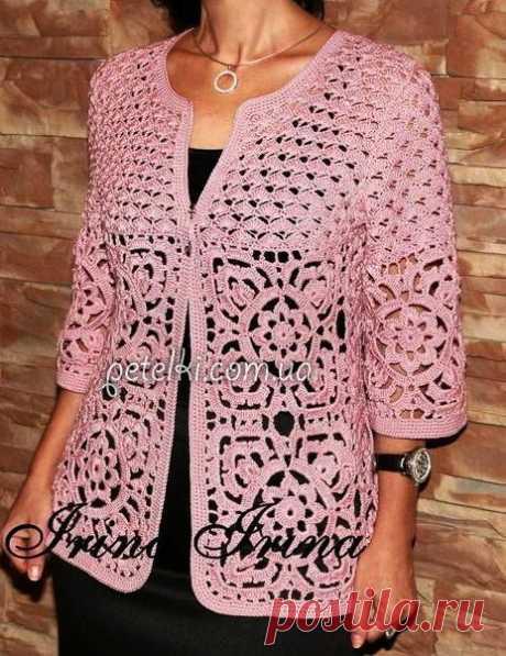 Krásna mäkká ružová háčkovaná bunda. režimy