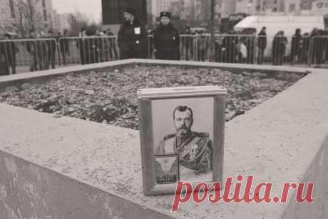 (+2) РПЦ не спешит признавать царскими предъявляемые останки