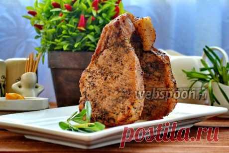 Стейк из корейки на кости. Корейка на кости готовится быстро, не требует времени для подготовки, а результат великолепен. Мясо получается нежное, сочное и очень ароматное.