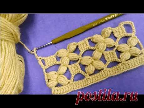 Модель с этническим платком крючком и фисташками, модели ручной вязки