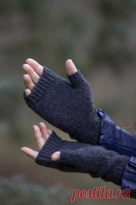 Митенки Оникс Ничто не говорит о роскоши так, как пара кашемировых перчаток. Эти минималистичные митенки идеальны каждого случая. Мы уверены, что это...