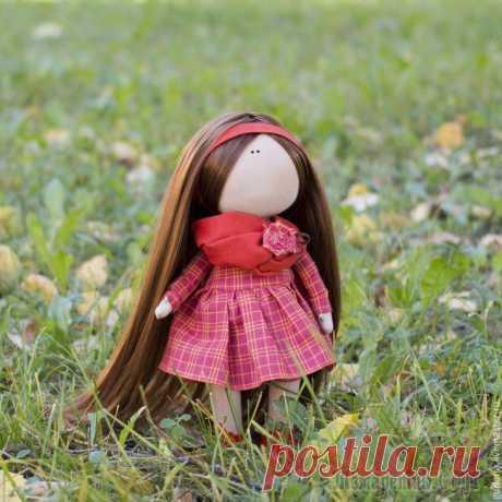 Текстильная кукла от макушки до пяточек Со слов автора. Разрешите представить вашему вниманию мой первый мастер-класс, который посвящен созданию текстильной, интерьерной куколки. Я старалась сделать все очень подробно, чтобы каждый желающий...