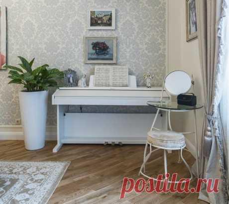 Классика в пастельных тонах: интерьер квартиры в «сталинке»