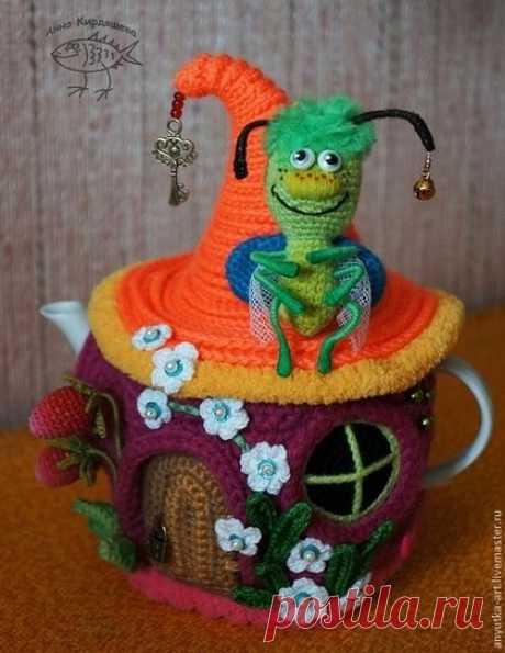"""(466) Кухня ручной работы. Ярмарка Мастеров - ручная работа. Купить Грелка на чайник """"Букашкин домик"""". Handmade. Разноцветный, подарок женщине"""