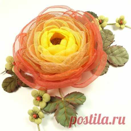 Цветы Огненной Долины. Брошь-цветок из ткани и натуральной кожи – купить в интернет-магазине на Ярмарке Мастеров с доставкой Цветы Огненной Долины. Брошь-цветок из ткани и натуральной кожи - купить или заказать в интернет-магазине на Ярмарке Мастеров   Брошь-цветок из ткани, листья и маленькие цветы -…