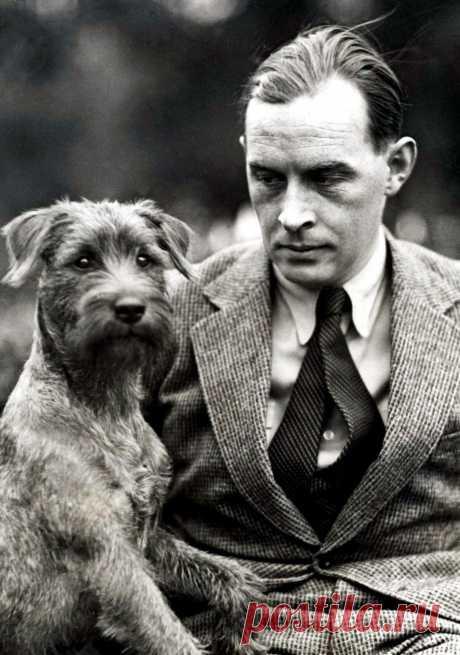 Писатель Эрих Мария Ремарк с любимой собакой по кличке Билли.(3) Facebook
