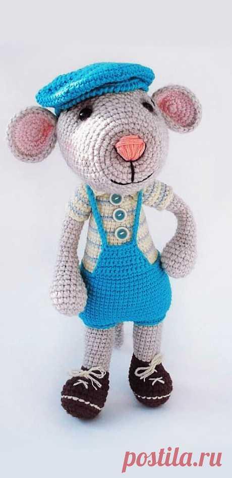 PDF Мышонок Хрустик крючком. FREE crochet pattern; Аmigurumi toy patterns. Амигуруми схемы и описания на русском. Вязаные игрушки и поделки своими руками #amimore - Мышь, мышка, мышонок, крыса.