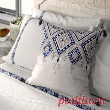 Идеи декора диванных подушек с помощью вышивки крестом, а также схемы для вышивки.   Юлия Жданова   Яндекс Дзен