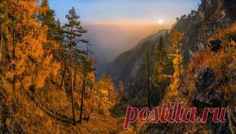 El otoño cerca del Baikal, la región de Irkutsk. El autor de la foto — Fiodor Lashkov: