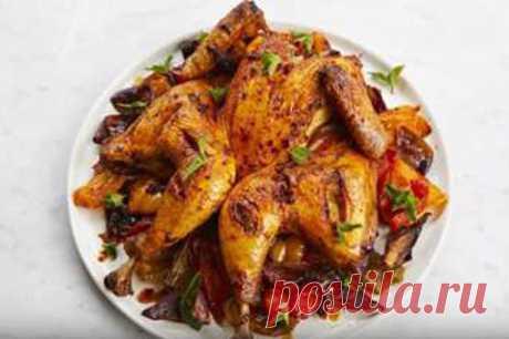Рецепт жареной курицы от Джейми можно приготовить всего за 15 минут - и готово блюдо с овощами и кускусом! И типично греческий соус к нему - цацики!