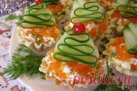 Очень яркая, красивая, вкусная закуска — тарталетки «Елочки» Очень яркая, красивая, вкусная закуска — Тарталетки «Елочки» наверняка смогут украсить ваш Новогодний праздничный стол.  Готовить это блюдо просто одно удовольствие. В роли елочек у нас будет выступат…