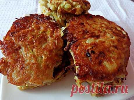 Ароматные луковые котлеты с картошкой и капустой: не уступают куриным    Антикризисный рецепт!          Ингредиенты: Лук — 6-7 шт.Капуста — половинка маленькой головкиЯйца — 3 шт.Готовое картофельное пюре (заправленное молоком и сливочным маслом) — небольшая пиала.Мука…