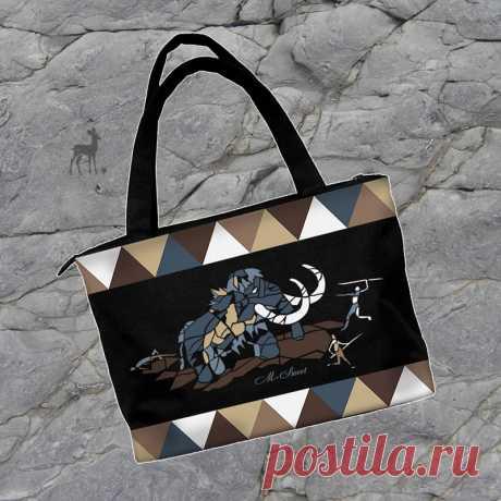 Наскальная живопись на сумке. #черанаясумка #мамонт #наскальнаяживопись #ручнаяработа #купитьсумку