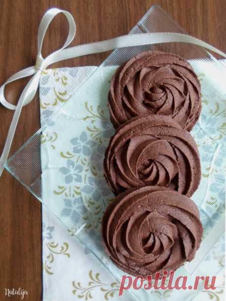 Č okoladni š pric keksi ć i – Mystic Cakes