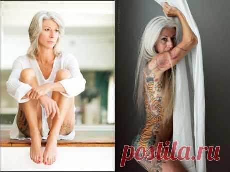 56-летняя Джулия из Техаса выкладывает в Tumblr свои фривольные фотографии, вселяя в умы подписчиков мысль о том, что «интимная жизнь может длиться столько, сколько вы захотите»