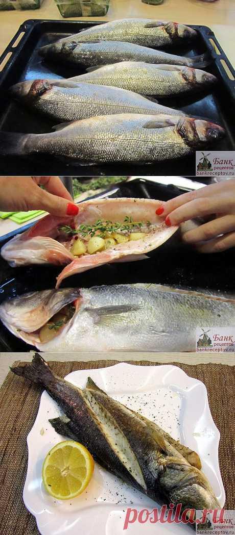 Сибас запеченный с чесноком и тимьяном, рецепт и фото