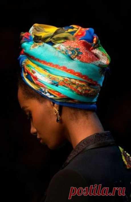Платок на голову: 15 примеров того, как носить главную вещь сезона / Все для женщины